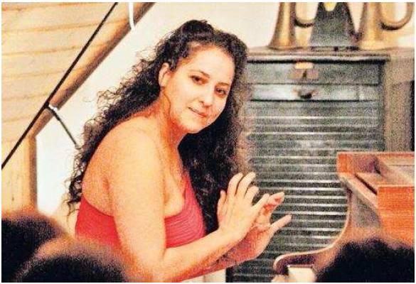 Pianist Akdenizli Piano Recital 20 Feb 2011  PAZ online von KIM NEUMANN